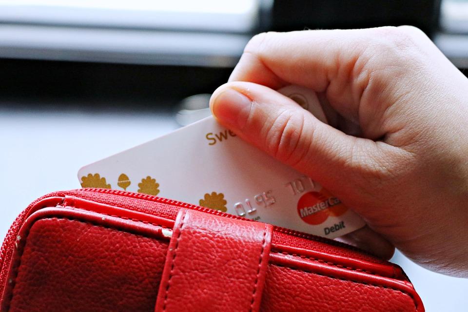 レディース人気が圧倒的な財布ブランドはルイ・ヴィトン?のサムネイル画像