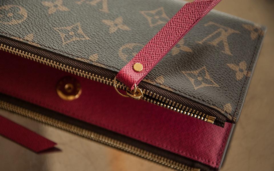 王道!?やっぱり財布はヴィトンが良い!のサムネイル画像
