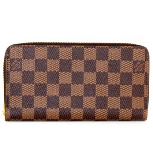 クラシカルなダミエに注目!ルイヴィトンで人気のメンズ財布とは?のサムネイル画像