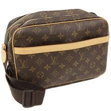 お洒落のアクセントにも!ヴィトンで人気のショルダーバッグをご紹介のサムネイル画像